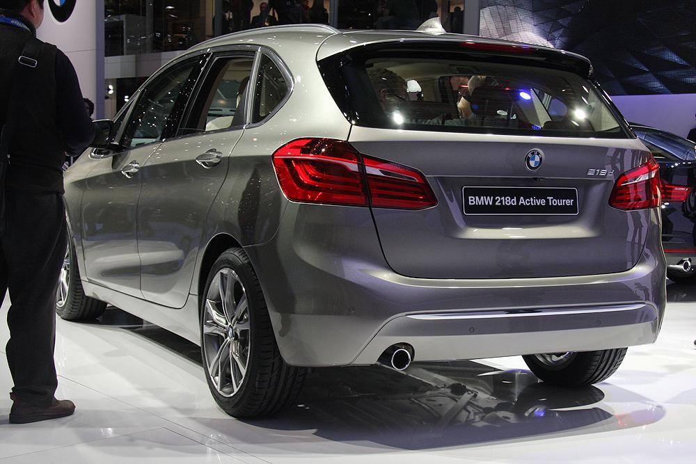 BMW на автосалоне в Женеве
