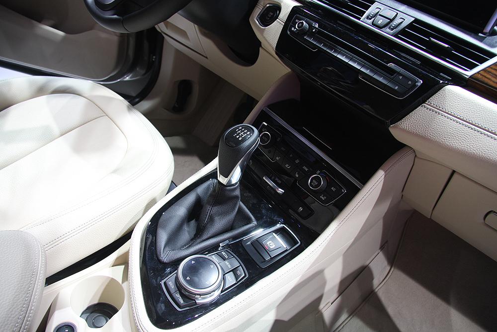 салон нового BMW